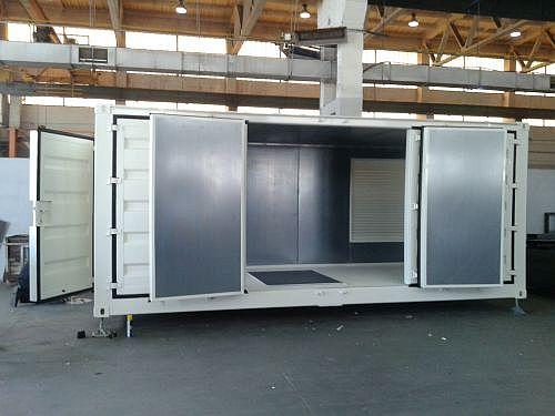 Schallschutzcontainer als Anlagencontainer in Sonderbauweise während der Endmontage
